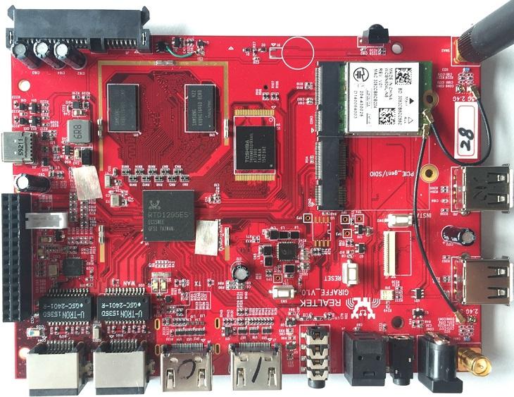 Zidoo X9s также оснащен портами SATA и шиной PCI-Express