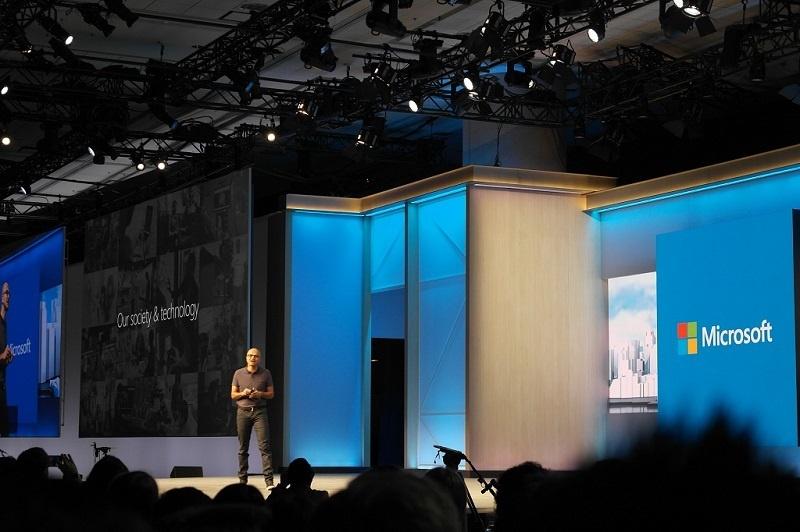 HoloLens, Xbox One Dev Mode и возможности для разработчиков с конференции --Build - 1