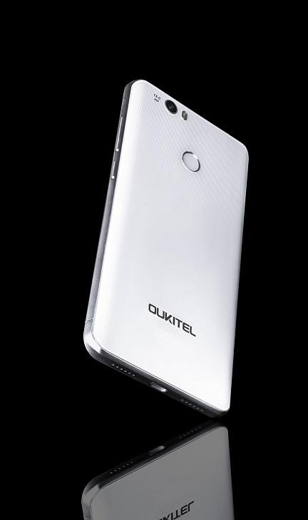 Oukitel K6000 Premium станет на ступеньку вверх над Oukitel K6000 Pro