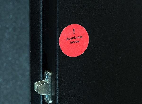 Серверный шкаф с интеллектуальным активным шумоподавлением - 11