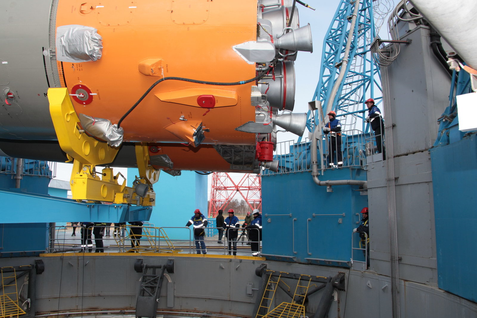 На космодроме Восточный установили ракету-носитель «Союз 2.1а» для первого запуска - 10