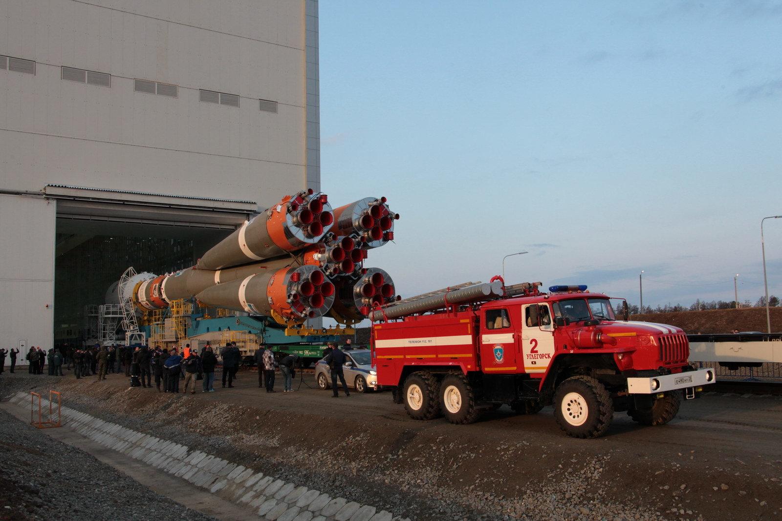 На космодроме Восточный установили ракету-носитель «Союз 2.1а» для первого запуска - 5