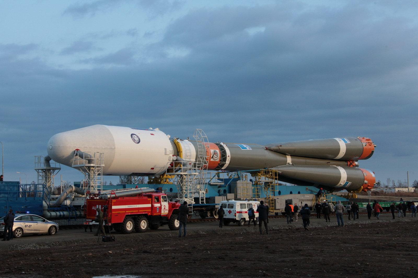 На космодроме Восточный установили ракету-носитель «Союз 2.1а» для первого запуска - 6