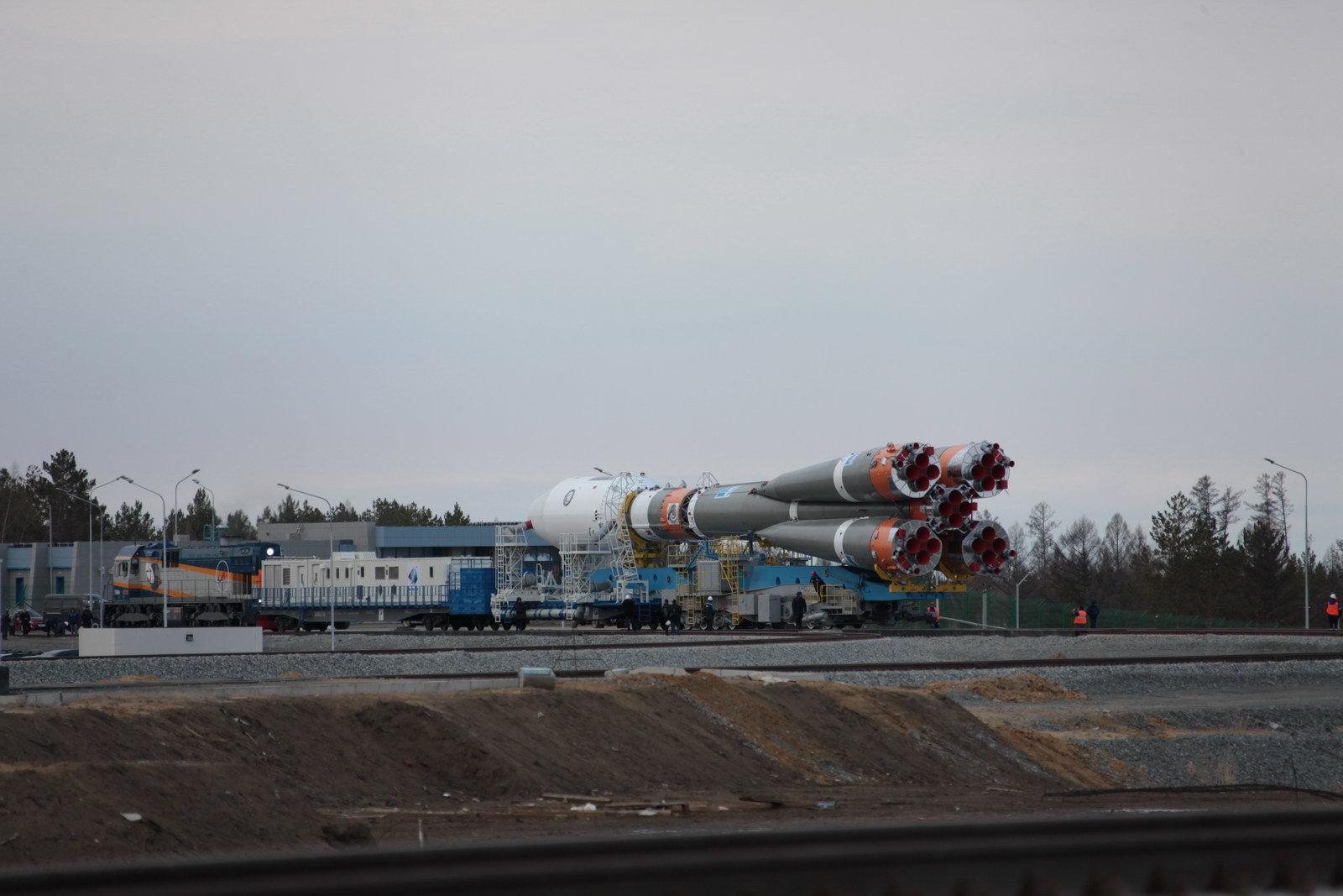 На космодроме Восточный установили ракету-носитель «Союз 2.1а» для первого запуска - 7