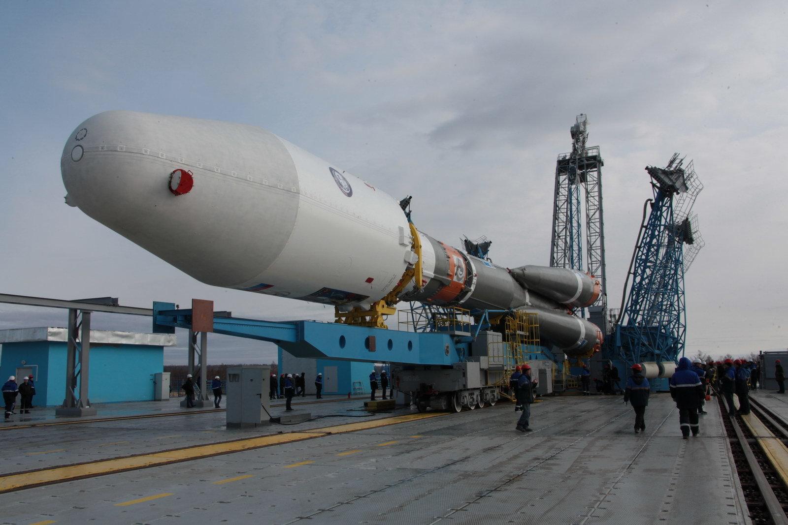 На космодроме Восточный установили ракету-носитель «Союз 2.1а» для первого запуска - 9