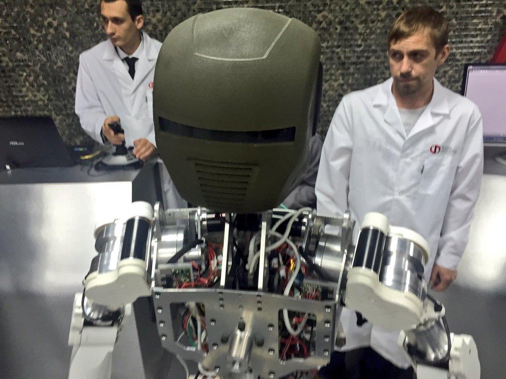 Опубликованы фото новейших российских роботов «Рысь-БП» и «Аватар» - 1