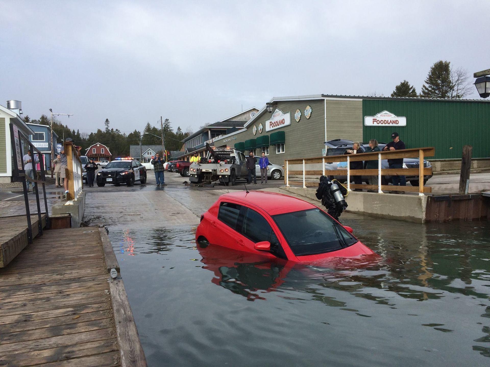 Женщина заехала в озеро по GPS-навигатору - 5