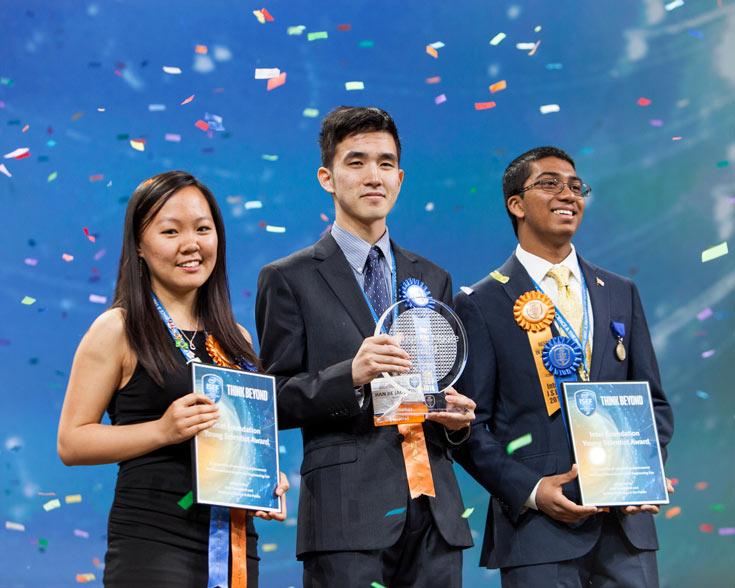 За первое место 18-летний микробиолог получил приз в размере $75 000