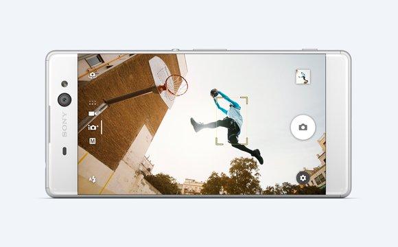 Шестидюймовый смартфон Sony Xperia XA Ultra получил фронтальную камеру с системой оптической стабилизации