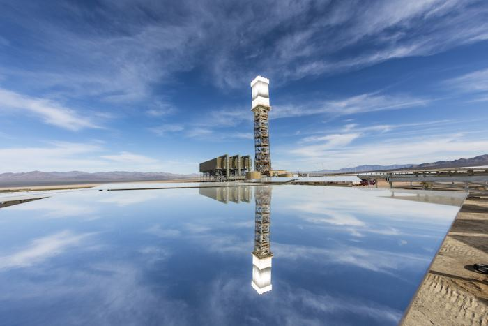 Неправильное позиционирование зеркал привело к пожару на крупнейшей термальной солнечной электростанции США - 5