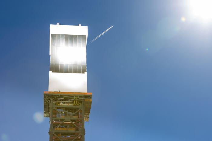 Неправильное позиционирование зеркал привело к пожару на крупнейшей термальной солнечной электростанции США - 7