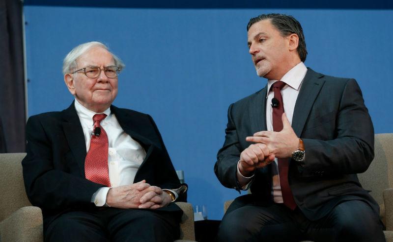 Уоррен Баффет и Дэн Гилберт вступили в борьбу за активы Yahoo - 1