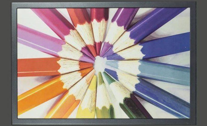 Технология E Ink ACeP найдёт применение в цифровых вывесках