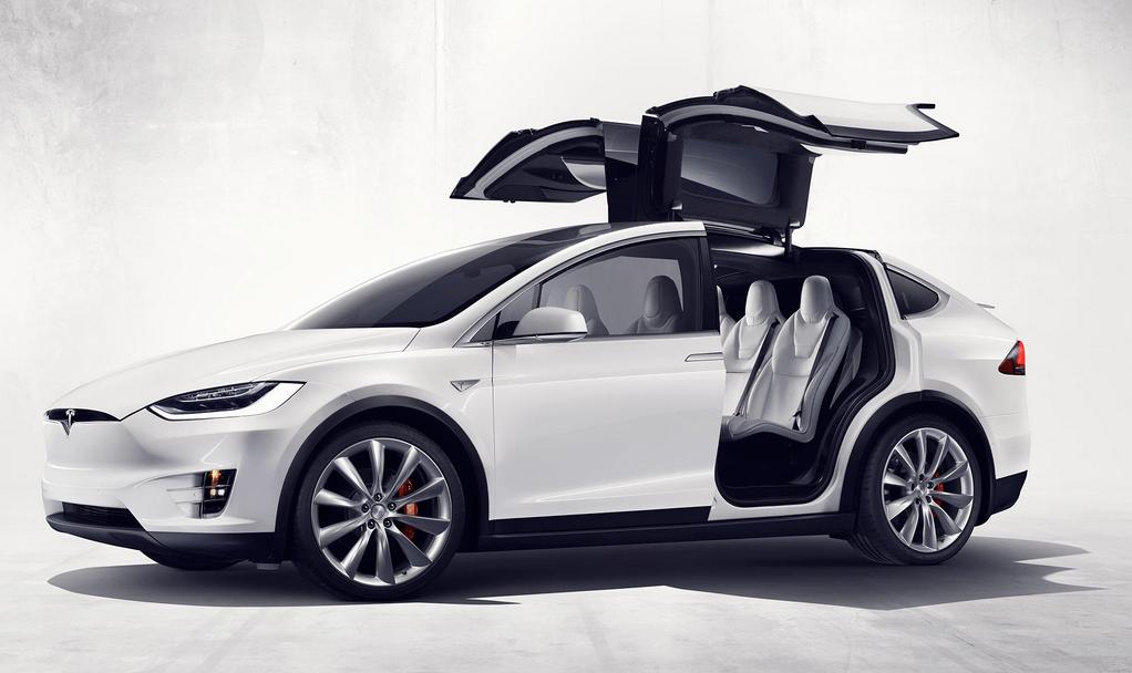 Владелец Model X подал в суд на Tesla, обвиняя компанию в плохом качестве автомобиля - 1
