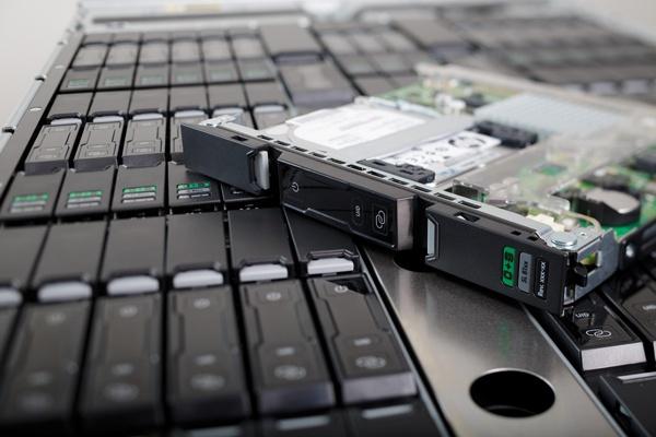 Первый сервер HP ProLiant Moonshot построен на процессорах Intel Atom