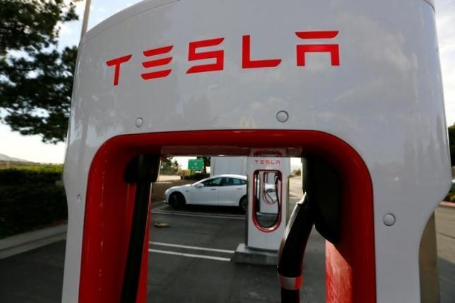 Отгрузка электромобилей Tesla Model 3 должна начаться в 2017 году