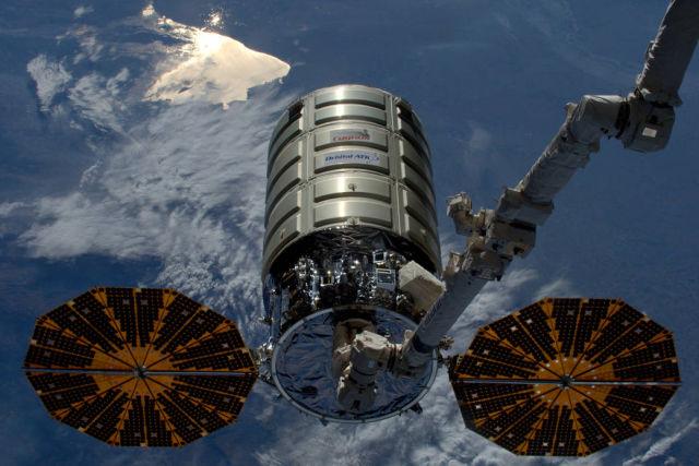 NASA устроило пожар на космическом корабле Cygnus - 1