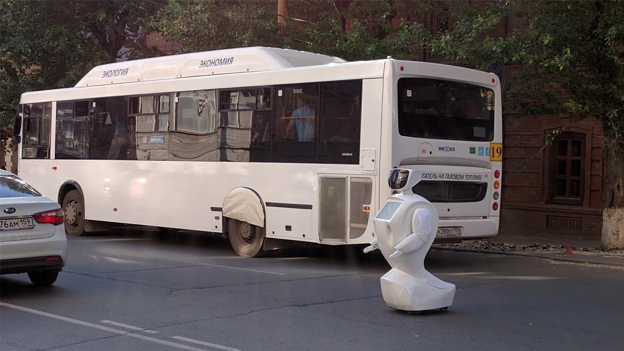 Самообучаемый российский робот IR77 опять «сбежал» на свободу - 1