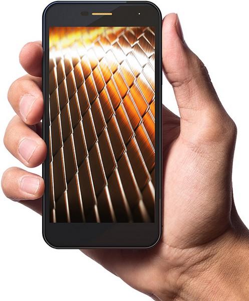 Wileyfox представила три смартфона Spark