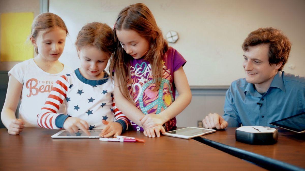Root — робот который помогает детям учить программирование - 7