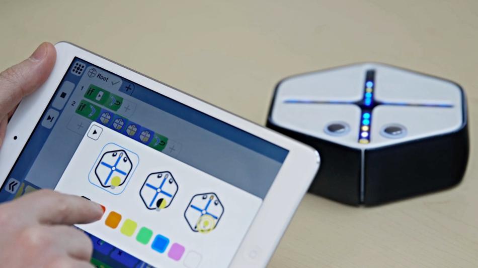 Root — робот который помогает детям учить программирование - 1
