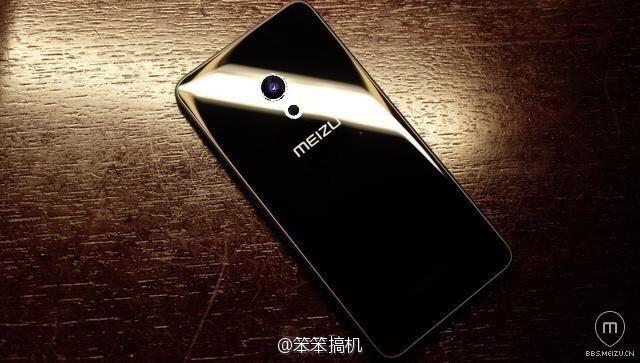 Опубликовано изображение, на котором, предположительно, запечатлен смартфон Meizu Pro 7