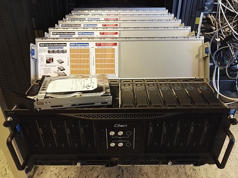 Обзор серверов Quantа: интересные решения, blade-корзины размером со стойку, ульи микросерверов и HPC-фермы - 2
