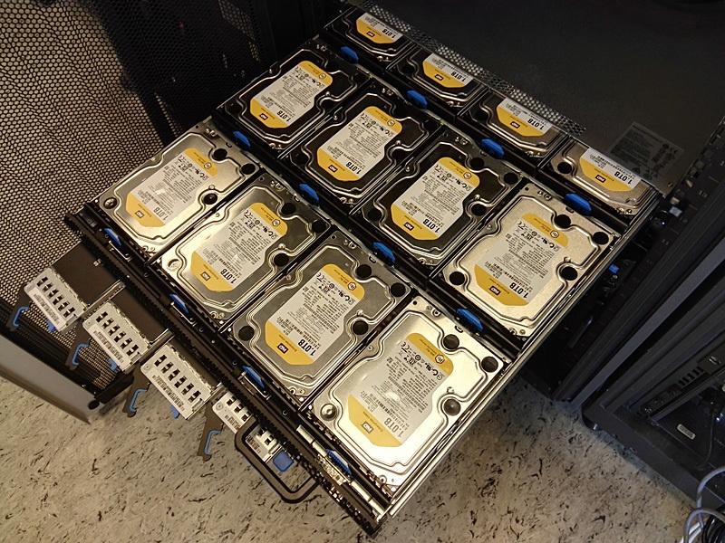 Обзор серверов Quantа: интересные решения, blade-корзины размером со стойку, ульи микросерверов и HPC-фермы - 1