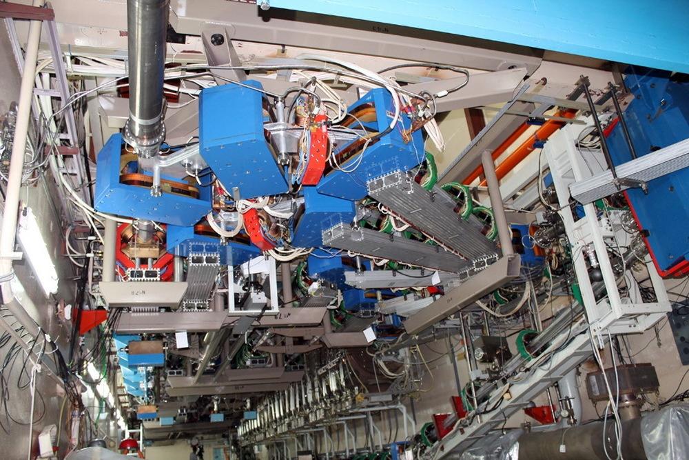 Российские ученые предложили подзаряжать орбитальные спутники связи с помощью лазера на свободных электронах - 1