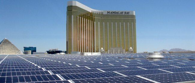 На крыше комплекса Mandalay Bay установлен самый большой в США массив солнечных батарей