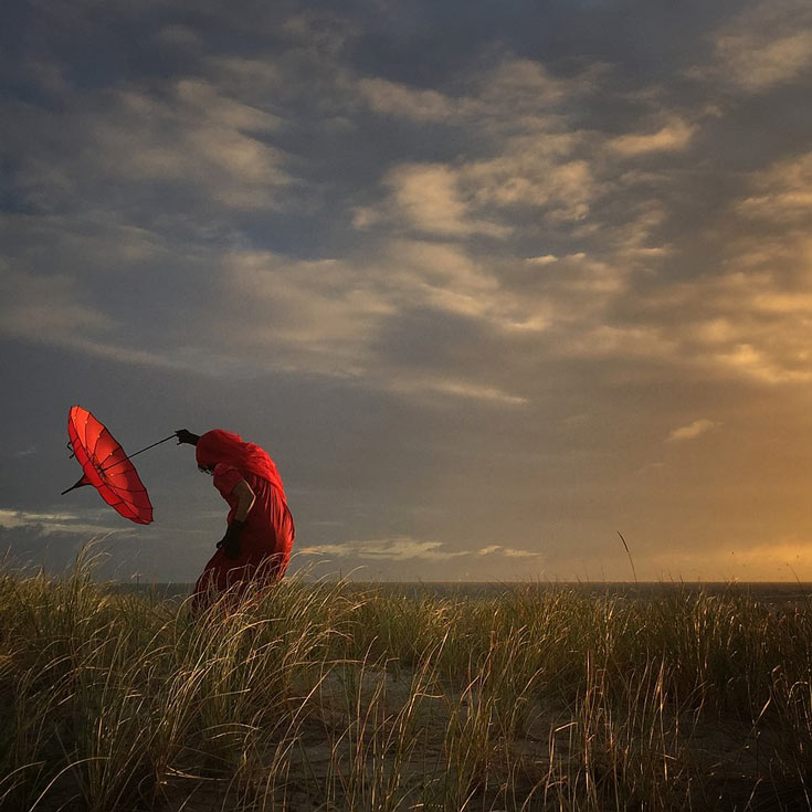 Гран-при получила фотография «Мужчина и орел»