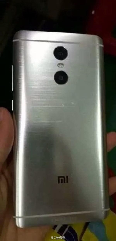 Опубликованы фотографии металлического смартфона Xiaomi Redmi Note 4 со сдвоенной камерой