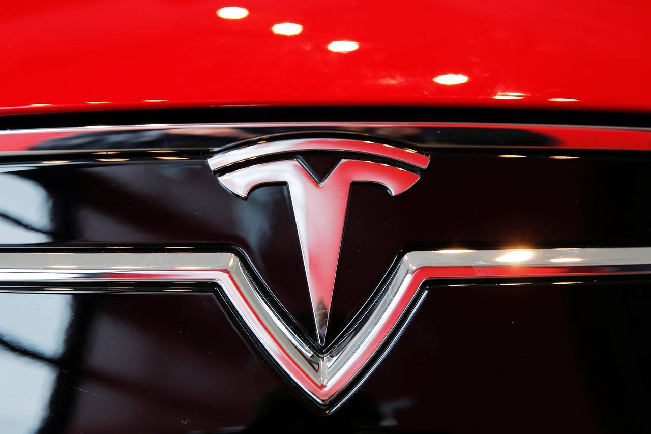У Tesla неприятности: новая авария и два расследования регуляторов в США - 1