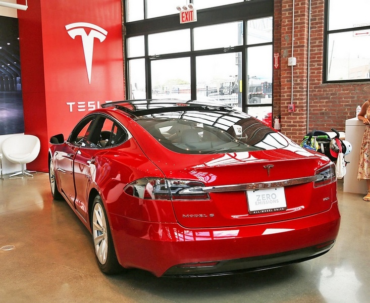 Tesla сворачивает программу Resale Value Guarantee