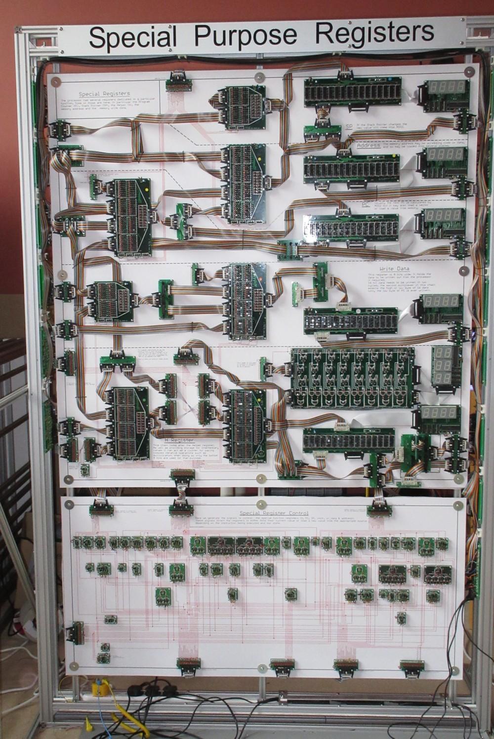 Британский инженер построил 500-килограммовый процессор из дискретных элементов. Этапы работы и интервью с создателем - 1
