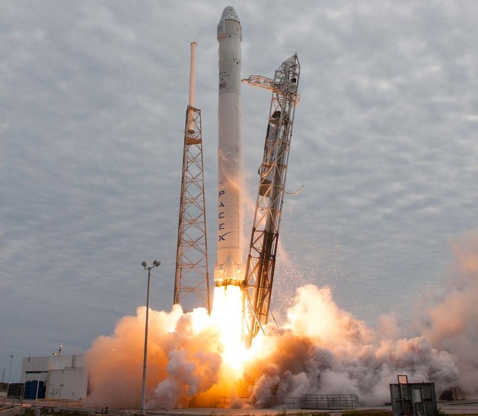 Очередной запуск Falcon 9 с посадкой первой ступени на суше [Запуск прошел успешно, ступень вернулась на Землю] - 1