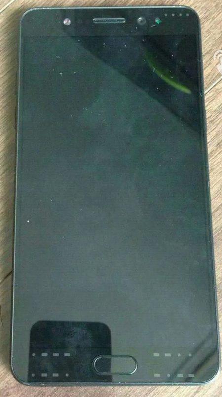 Опубликована фотография прототипа смартфона Samsung Galaxy Note7 с плоским экраном