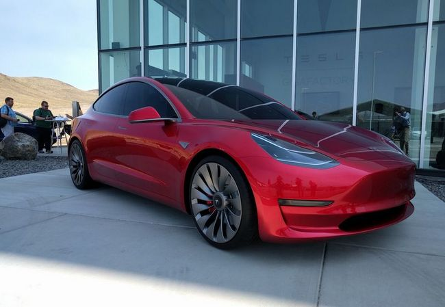Дизайн электромобиля Tesla Model 3 полностью утвержден