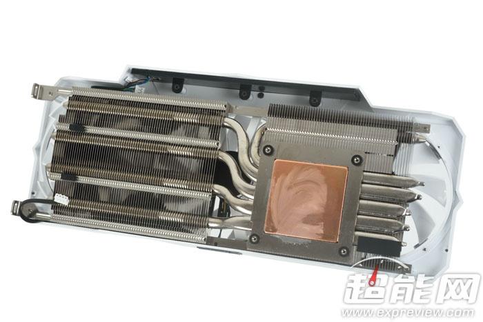 На плате Galaxy GTX 1060 HOF установлено два разъема дополнительного питания