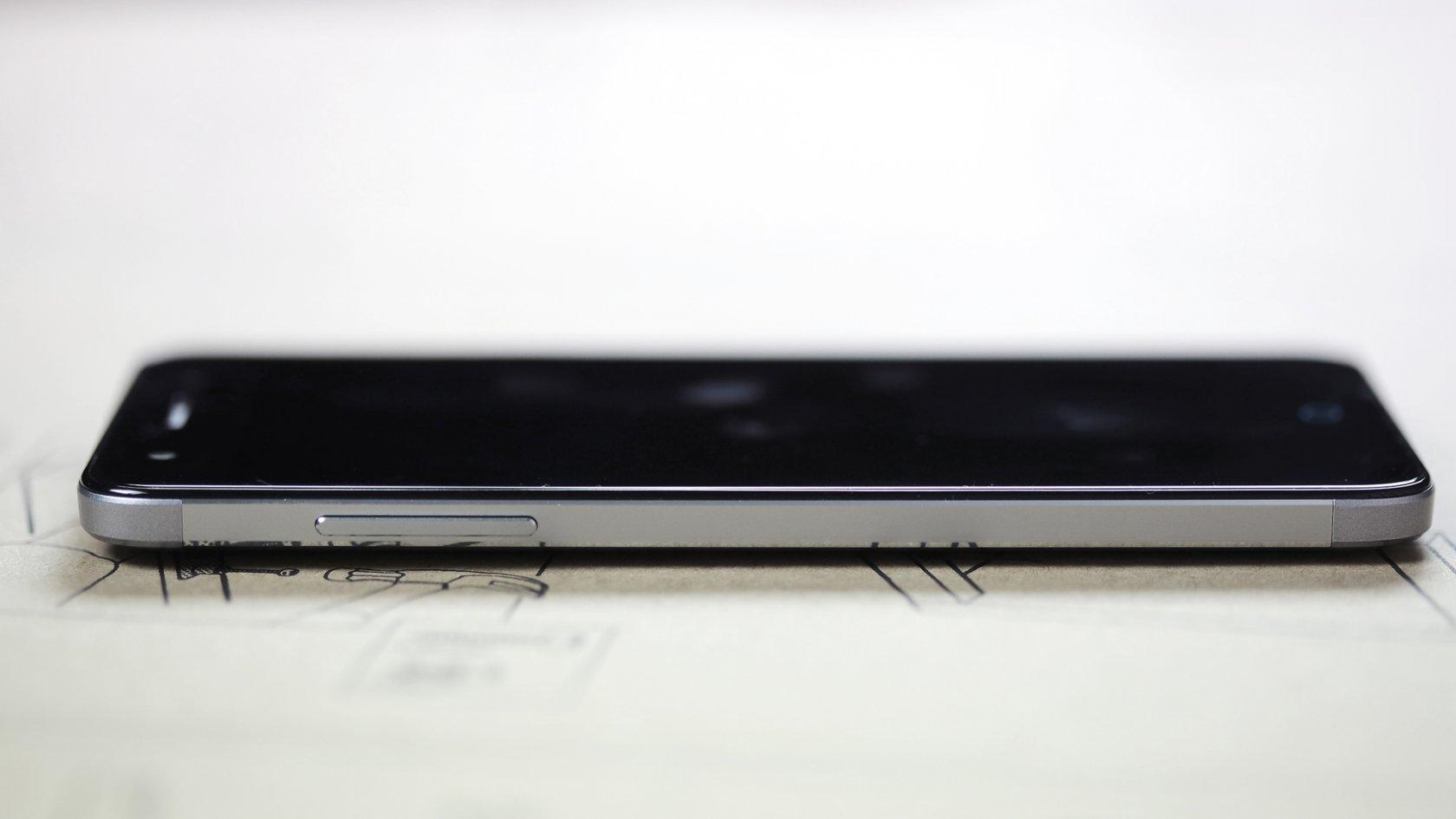 Обзор ZTE Blade V7 Lite: недорогой и технологичный - 3