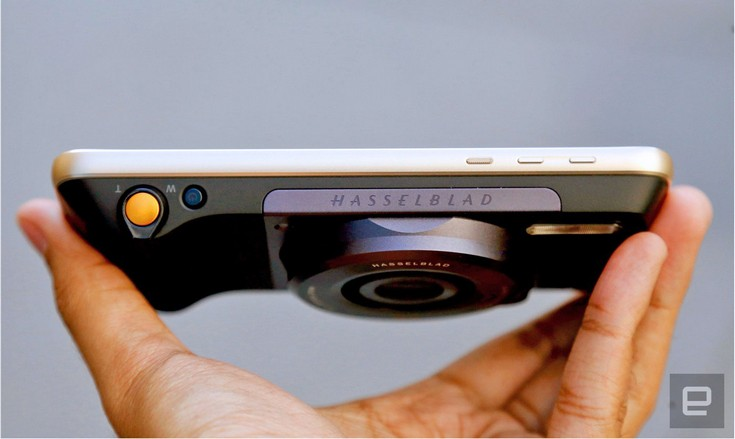 Модуль Hasselblad True Zoom характеризуется разрешением 12 Мп