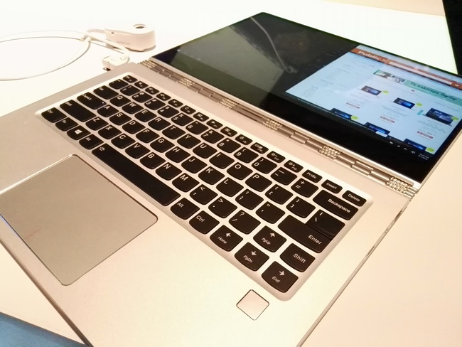 Представлен тонкий ноутбук с безрамочным дисплеем Lenovo Yoga 910