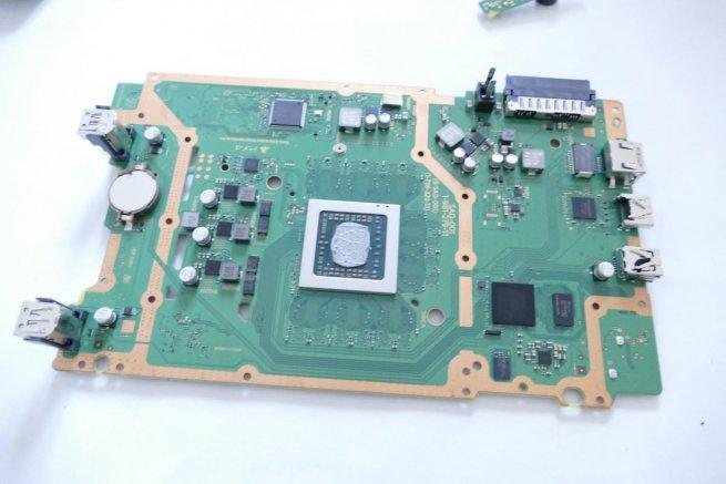 APU для PS4 Slim производят по современному техпроцессу