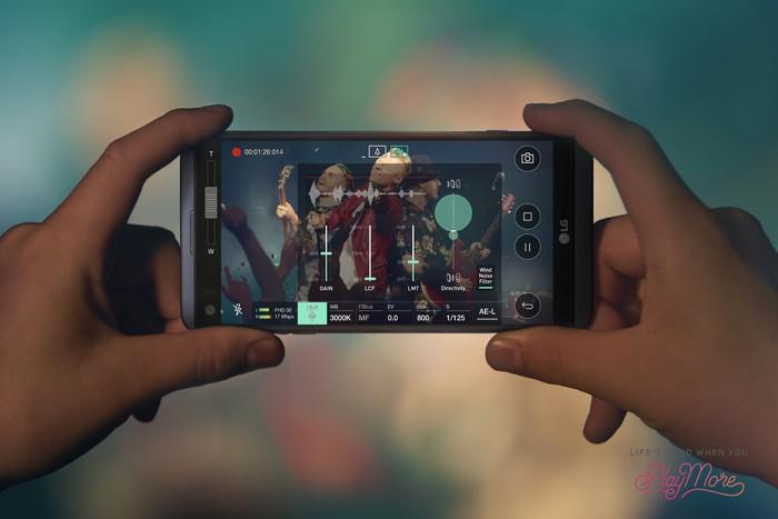 Представлен смартфон LG V20 со сдвоенной камерой и двумя дисплеями, цена пока держится в секрете