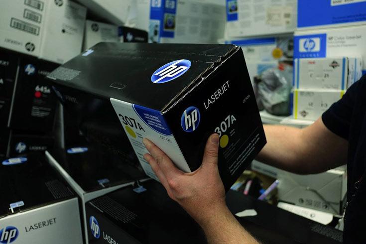 Примерно год назад HP отделилась от HPE