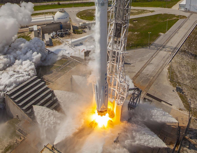 SpaceX надеется возобновить запуски в ноябре - 1