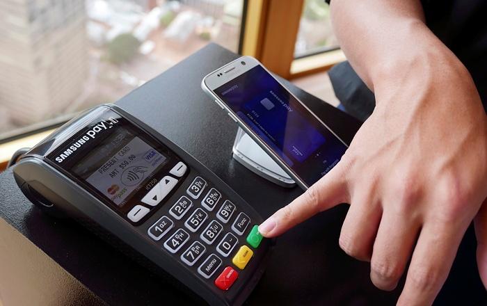 Samsung Pay на свой страх и риск запустился в России — мнения экспертов - 1