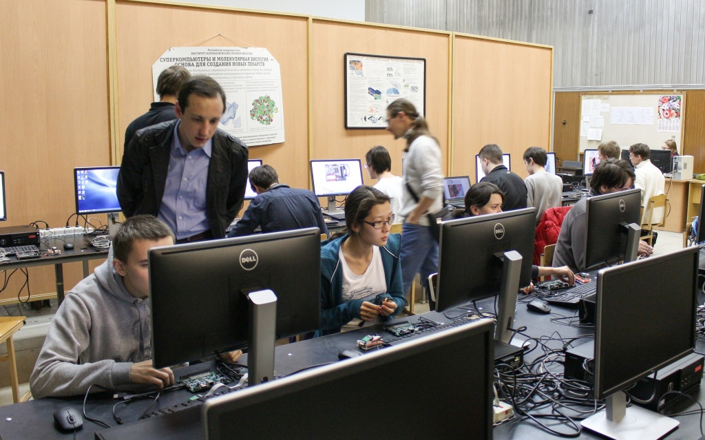 Микросхемы с разных сторон: семинары Nanometer ASIC, MIPSfpga и Connected MCU в России, Украине и Казахстане - 1