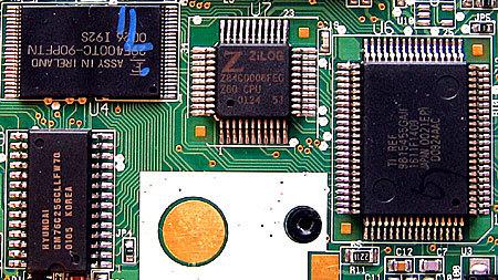 Texas Instruments, или как 20 лет продавать вычислительное устройство с 40-летним процессором - 1