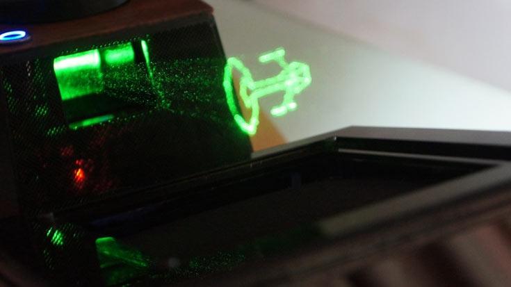 Сбор средств на выпуск настольного голографического дисплея Holovect организован на сайте Kickstarter